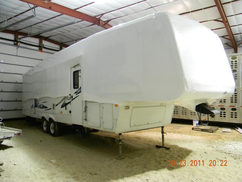 Fifth Wheel wrapped to allow entry